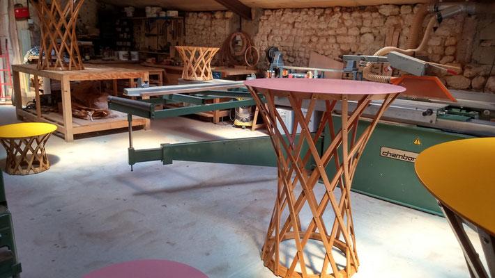 FRACTALE table haute et basse - chêne cintré - aluminium laqué