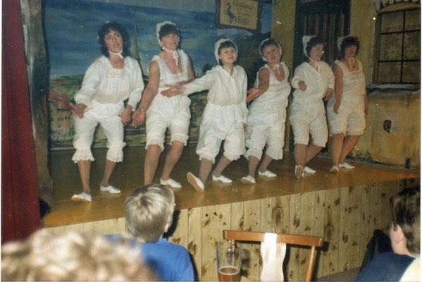 """1986 """"Spitzenhöschenbalett (Damen)"""""""