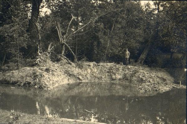 Bombentrichter Pastorat 2 am 25.07.1940