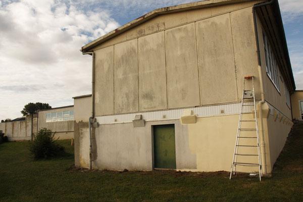 Partie de la façade avant peinture.