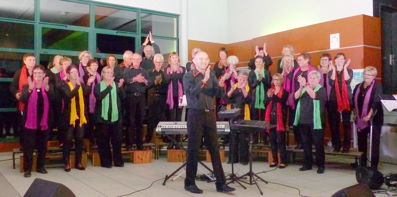 Le groupe de Chœur en Fête emmené par David Dubois.