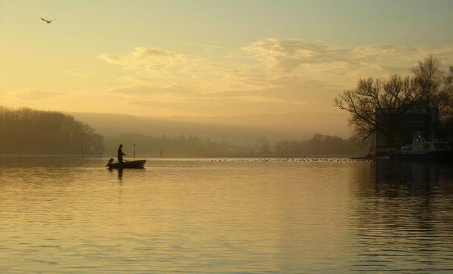 Der Seerhein verbindet den Bodensee mit dem Untersee. Im Roman spielt er eine große Rolle, auch als Tatort eines Verbrechens.