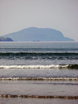 Inny Strand, im Hintergrund Scariff Island.