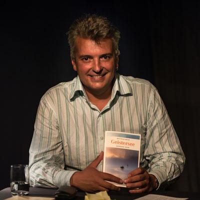 Lesung in der Zimmerbühne Konstanz am 29.9.16. Foto: Helmut Bär.