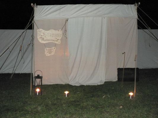 Geschafft. Donnerstagabend. Die Zelte stehen...