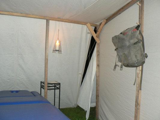 Falscher Aufbau mit Folgen. Lücke im Zelt. Luftzug und Einblicke. Doch fand ich eine Lösung.
