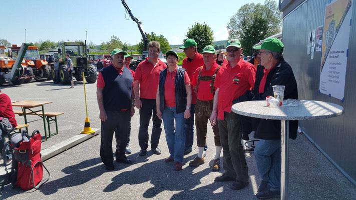 12 Traktorfreunde in Ybbs