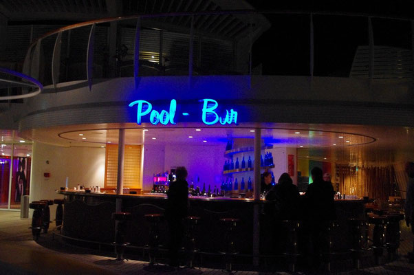 Pool-Bar Deck 12