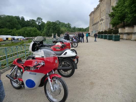 rassemblement motos anciennes italiennes et vespa 13 14 mai 2017 mus e des motos anciennes. Black Bedroom Furniture Sets. Home Design Ideas