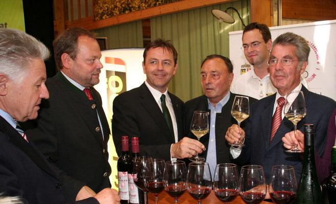 Präsident Fischer zu Gast beim Weinbauer