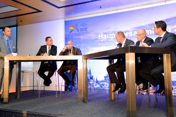 Die Teilnehmer an der Posiumsdiskussion (v.l.): Thomas Ramdohr, Gerald-Alexander Beese (KTI), Dr. Christoph Lauterwasser (AZT), Peter Börner (ZDK), Dr. Albert Bill (BFL), Neofitos Arathymos (ZDK)