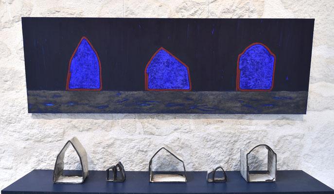 """installation """"habiter"""" acrylique sur toile et céramique Raku (Oléron)"""