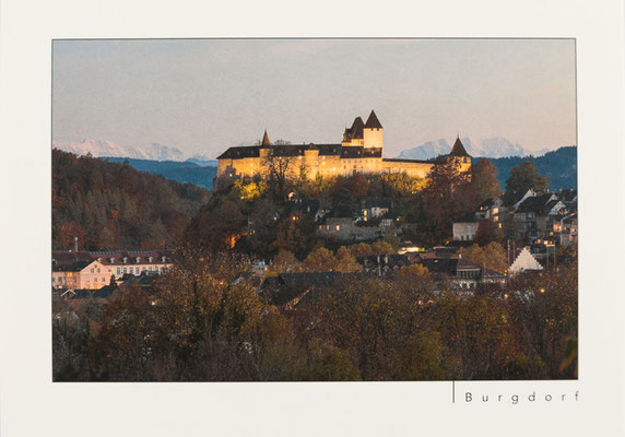 Schloss Burgdorf mit Alpenkette
