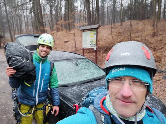 An diesem Tag war es knapp, der einzige Tag, wo es mal Regen gab, gleich mit Schnee vermischt, aber glücklicherweise nur die letzten 10 Minuten auf dem Rückweg zum Auto