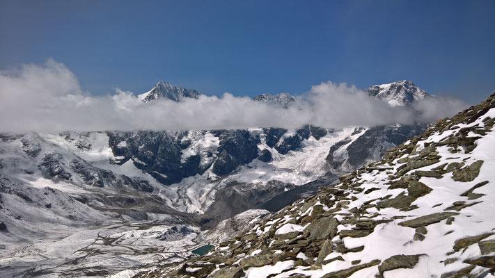 Ausblick beim Aufstieg kurz unterhalb des Gipfels der Hinteren Schöntaufspitze