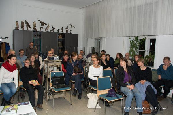 Im gutgefüllten Vortragsraum
