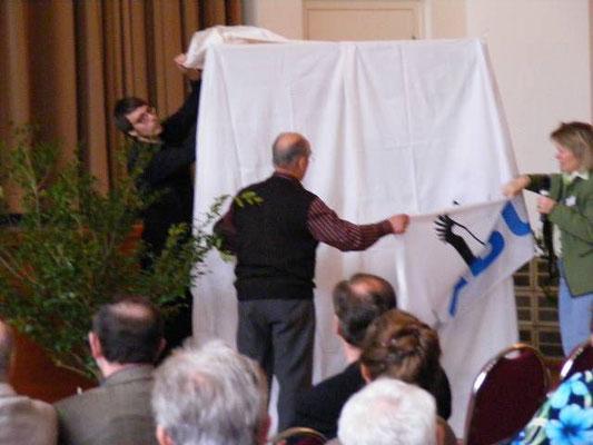 Gespannt erwarteten die Gäste die Verkündung des neu gewählten Auwaldtiers 2011.