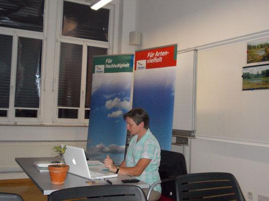 Referentin Kirsten Craß beim Vortrag in der Volkshochschule. Foto: René Sievert