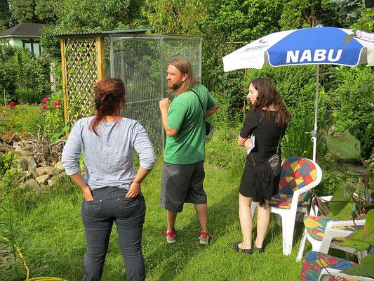 Am Mauerseglertag konnten Vogelfreunde die Wildvogelhilfe des NABU Leipzig besichtigen, beispielsweise die neuen Volieren, die über Spenden finanziert werden konnten.</p>Foto: Beate Kahl