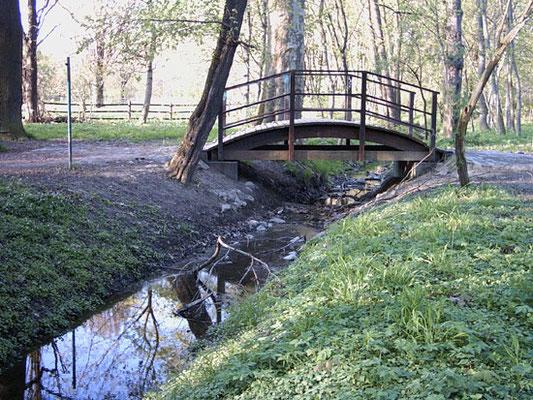 Brücke über die Rietzschke.