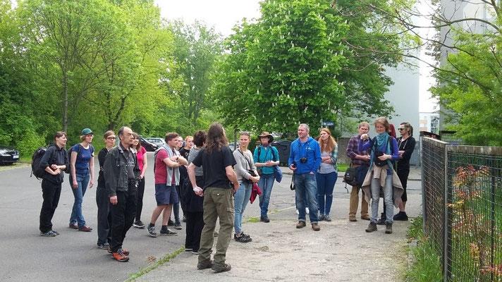 Zum Praxistag in der BatCity Leipzig hatten sich die Seminarteilnehmer wieder versamelt.
