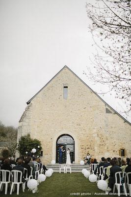 Décoration cérémonie laïque à la Grange d'Espin : Guirlande de Grue Origami, Boule Chinoise
