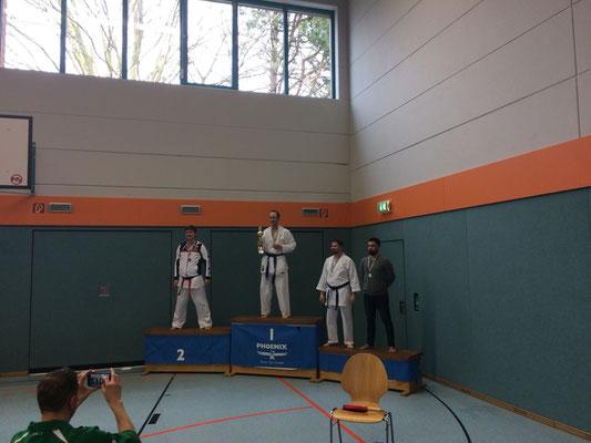 Thaer 3. Platz MC Ü30 -80kg (ganz rechts)