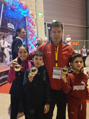 Ralf Kulakowski mit seinen Schützlingen