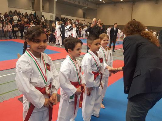Gold für Team Bushido Köln 2 mit Helin, Yasin, Alessio und Maja
