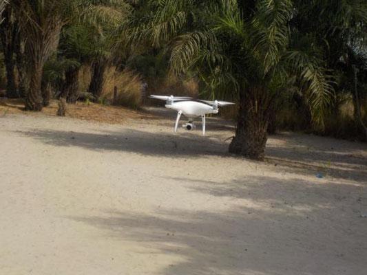 Drohne fotographiert DYARAMA SCHULE