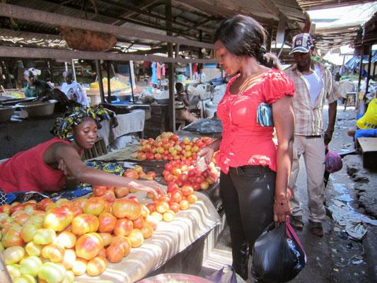 Gemüse-& Früchteverkauf