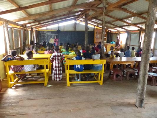 Klassenzimmer in Meyingbé