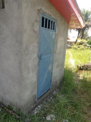 Toiletten-Duschraum im Anbau