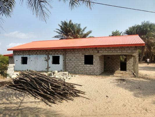 Rohbau der Lehrerwohnungen fertig