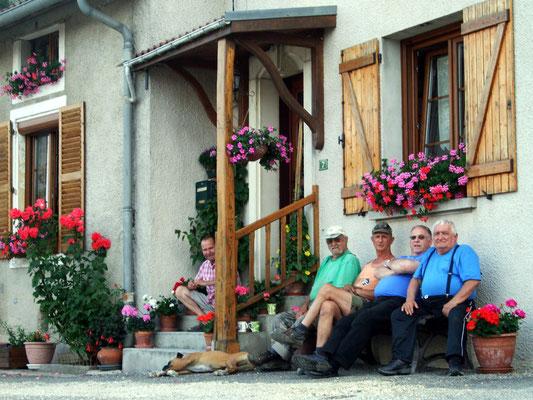 Convivialité au village de Sivry-la-Perche