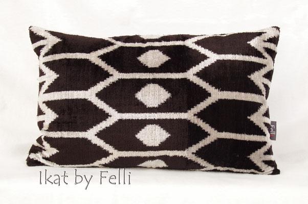 IKAT silk velvet black finest quality IKATbyFelli.com pillow Kissen schwarz avantgarde