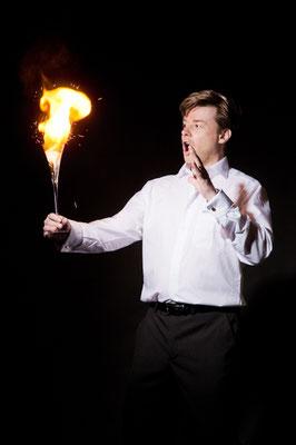 Der Zauberer in Pforzheim macht Ihre Veranstaltung zur Perle des Staunens. Sebastian führt charmant und gekonnt durch den Abend.