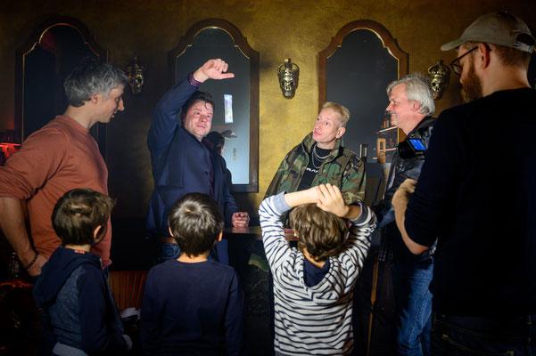 Zauberkünstler in Eschwege – ein interaktives Spiel, von Tisch zu Tisch, von Clou zu Clou, bei dem alle Sinne in Eschwege stimuliert werden.
