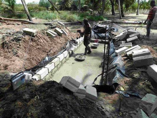Bodenplatte wird gegossen, ohne elektrische Energie