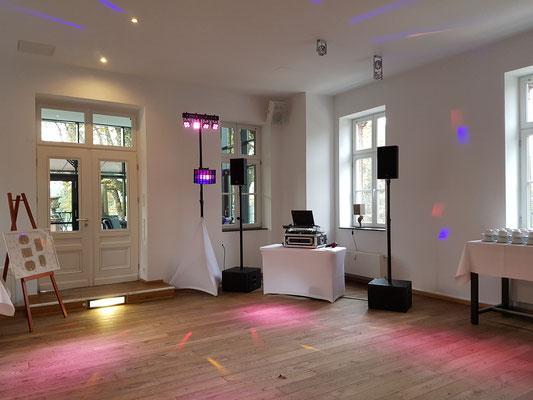 Hochzeits-DJ mit Niveau - hier: Kaiserbahnhof Brühl