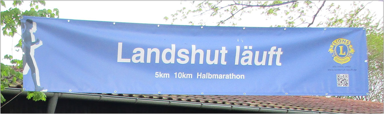 Bei Landshut läuft sind knapp 2.200 Teilnehmer auf die Strecke gegangen.