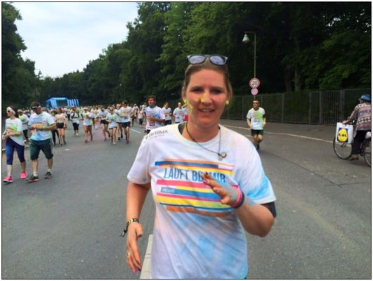 Claudia beim Color Run 2015 in Berlin.