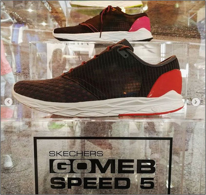 Der neue GoMeb Speed von Skechers.