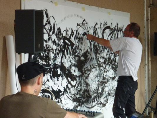 Performance en peinture à La Clayette en 2012 avec Thibaut Monnet