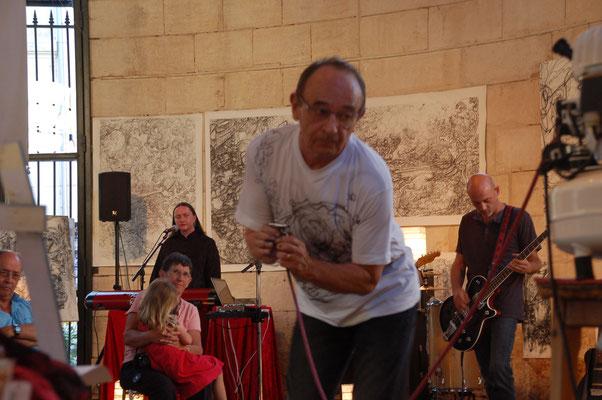 A Givry en 2013 avec le groupe Mona Kazu