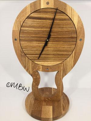 Tischuhr aus Holz