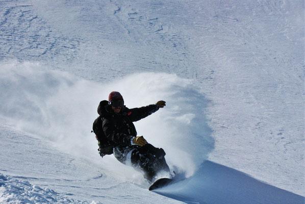 Snowboard hors piste à la Mongie