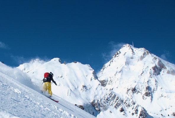 descente hors piste du Pic du Midi en snowboard