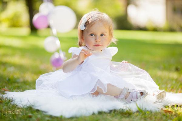 Kind im Park, grün, Sommer, fotografie, fun, zauberhaft, Kinderfotografie, Foto Lange Suhl,