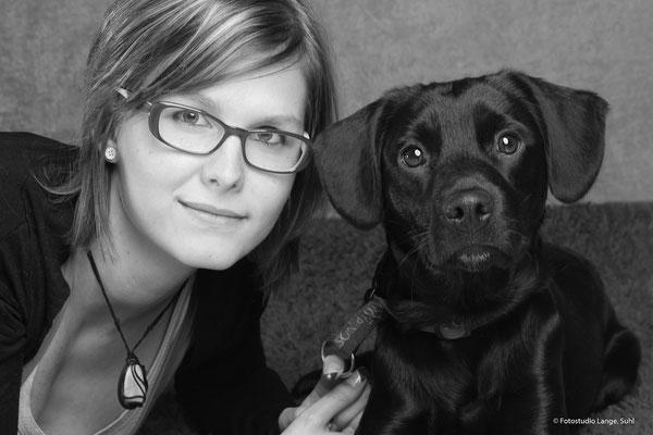 Frau mit Brille , Schwarzer Labrador , Suhl Thüringen , Fothaus Lange , Tier